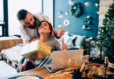Paare als auch Singles für den Amorelie Adventskalender 2020
